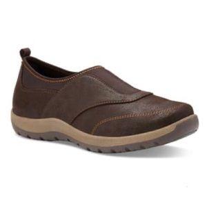 Eastland Loretta Slip-On Vegan Brown Sneakers